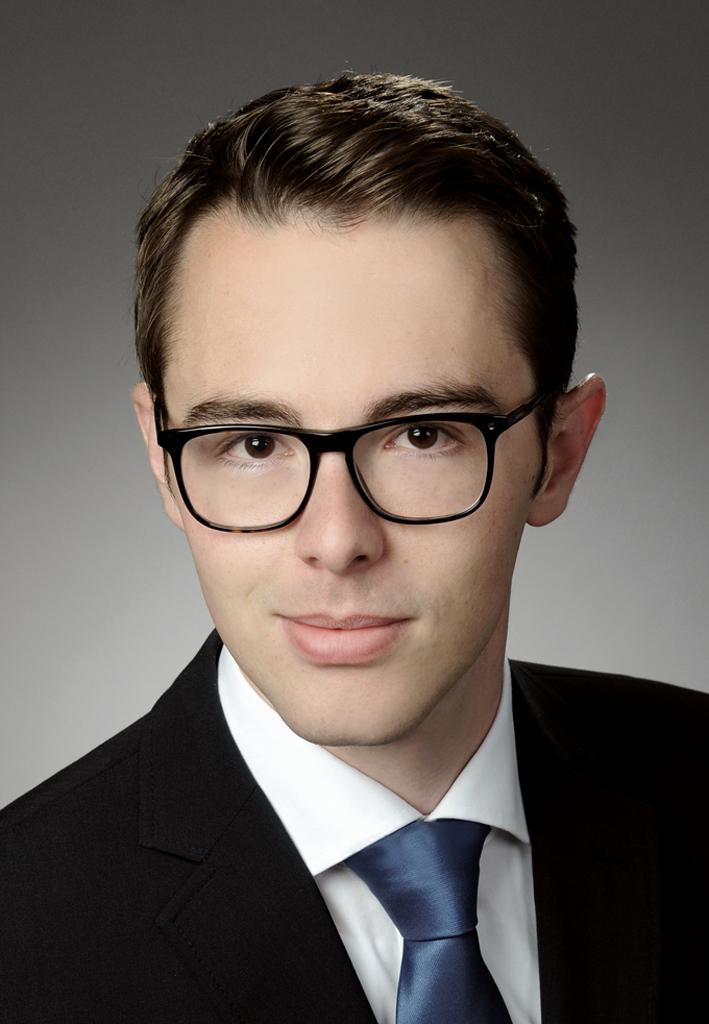 Dr. Florian Barth